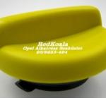 Opel olajbeöntő sapka